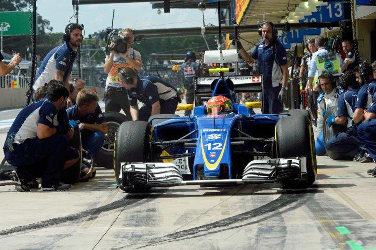 Sauber, priorité de Felipe Nasr pour 2017