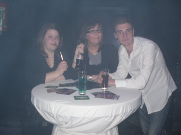 Le 2 avril 2011 :: Monaaa avec Chri, Ju & Kevin :-)