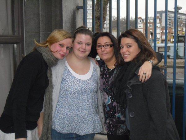 Le 15 décembre 2011, Ecole
