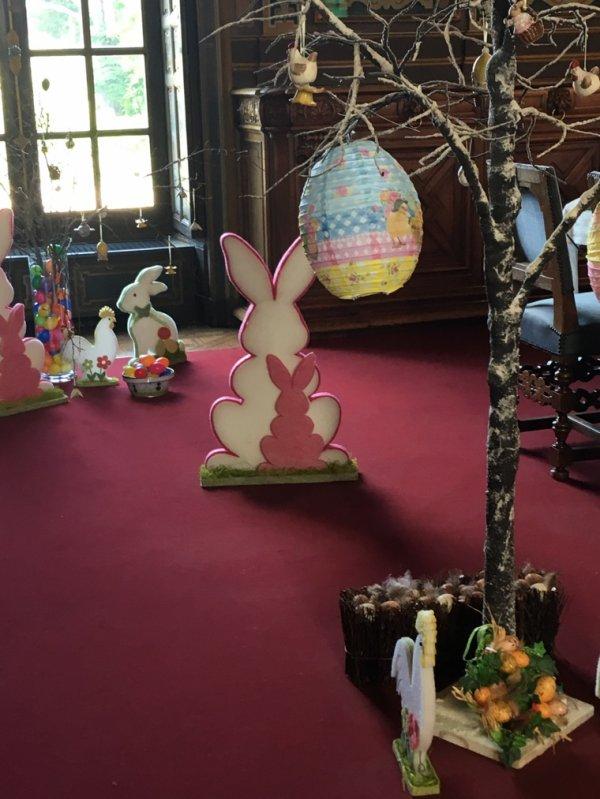 À Cheverny,Alice cherche son lapin -2-