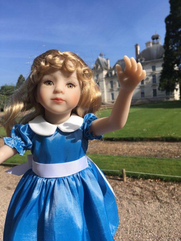 À Cheverny,Alice cherche son lapin..-1-