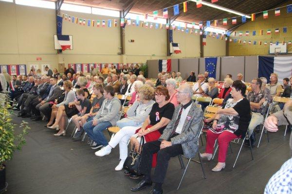 belle manifestation ce dimanche 25/09 a Savigneux, pour le résultat du concours organisé sur Verdun pour le centenaire.