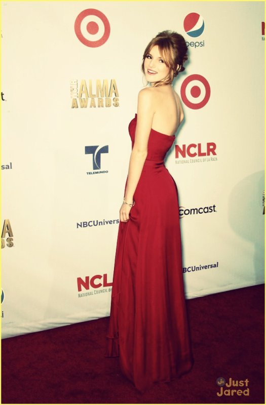 photo twitter bella thorne + ALMA AWARDS
