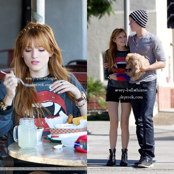 Bella et Tristan dans les rues de Los Angeles fesant une balade on amoureux jusqu'au un restaurant le 28 octobre 2012