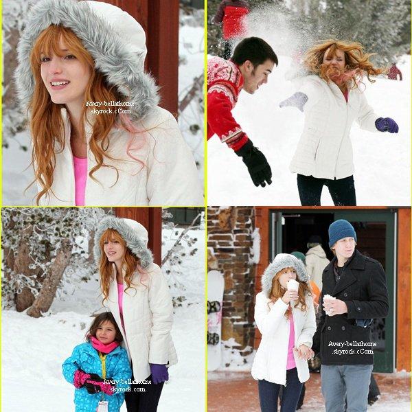 Bella et sa famille en vacances d'hiver au Lac Tahoe le 30 décembre 2012