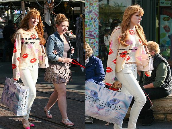 Bella et Kailey ont été vu entrain faire du shopping à TopShop le 19 février 2013