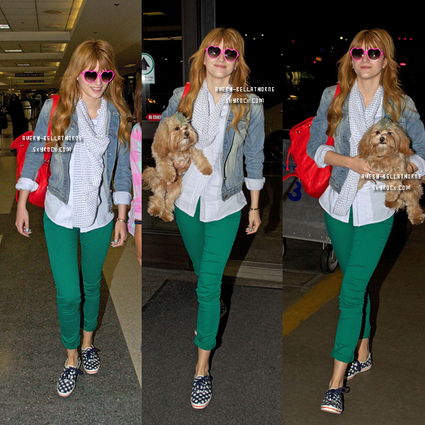 Bella à l'aéroport de Los Angeles pour son vol a New York City ( N.Y.C ) le (29/03)