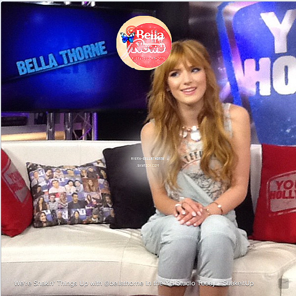 Photo Issue de Behind the Scéne ! + Bella sur le plateau de Young Hollywood .