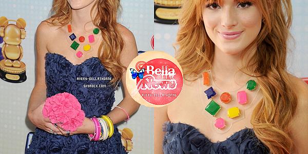 Bella sur le tapis rouge des Radio Music Awards le 27 avril 2013.