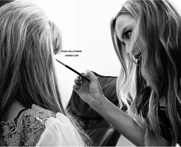 Bella sur le set de Unlesh'd mag - 9 juillet 2013. Elle ferra la couverture du numéro spécial anniversaire du Magazine.