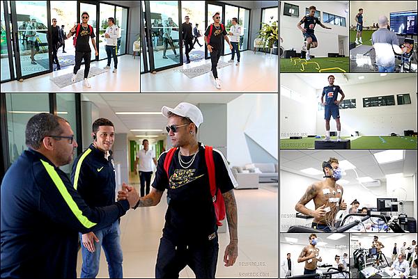 21 mai 2018: ▬Neymar arrivait auGranja Comary Football Complex pour débuter la préparation à la CDM. Selon le médecin Neymar pourra jouer le prochain match, mais bien évidement ce sera ausélectionneur Tite de décider.