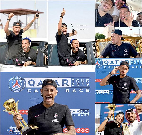 16 Janvier 2019: ▬Les joueurs du PSG étaient au champ de course près de Doha pour une course de dromadaires. Vainqueurs des deux premières courses, Neymar et Tuchel ont fait dons de leurs gains aux ½uvres du Fonds de dotation du PSG. ( 50 000 $)