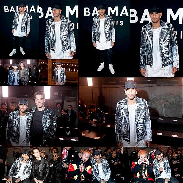 18 Janvier 2019: ▬Neymar assistaitce vendredi au défilé de Balmain homme Automne / Hiver 2019-2020 à Paris. Les Parisiens sont rentrer de leur stage hier. Neymar assistait donc au défilé à l'occasion de la Fashion Week de Paris avec le chanteur J. Balvin.