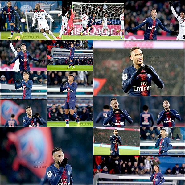 19 Janvier 2019: ▬Le Paris Saint-Germain recevait Guingamp à l'occasion de la 21 ème journée de Ligue 1. (9-0) Paris a littéralement giflé les Bretons en s'imposant 9-0. Neymar a mis un doublé, Cavani et Mbappé un triplé. Puis Meunier pour le dernier.