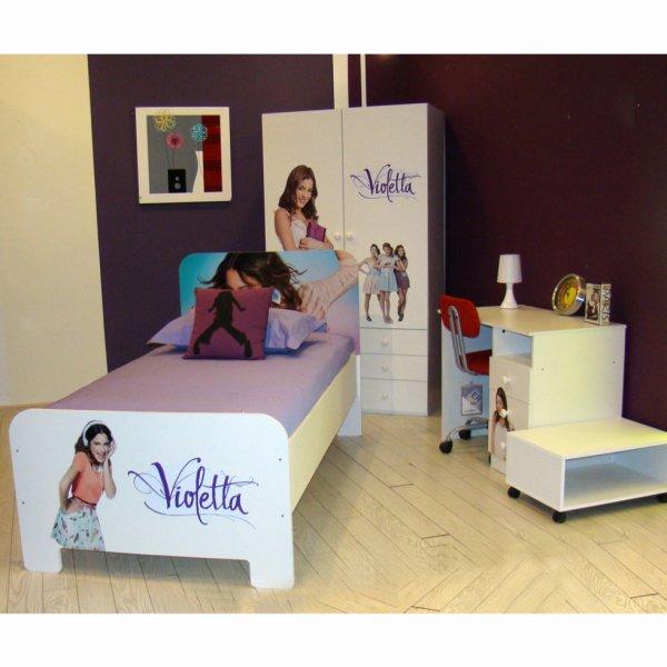 Chambre violetta lit armoire et bureau blog de for Chambre lit et armoire
