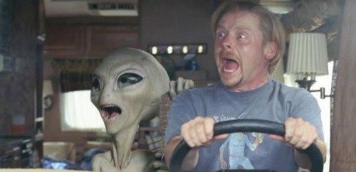 - Qu'est ce qui va pas Clive ? - Y a un alien dans la kitchenette qui prépare des beaggles & du café ! - Tu voulais du thé ?!