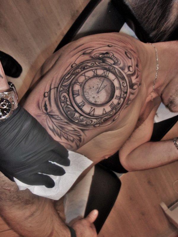 tattoo en cours de realisation premiere seance 2 heure 150 euro ;)