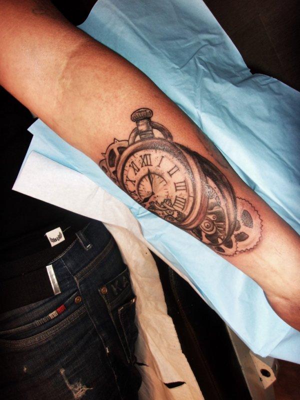 tattoo en cours premiere seance a 100 euro