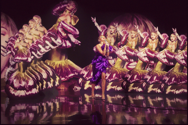 - 10.10.2020 ✪  Miley Ray Cyrus a performé pour le Graham Norton Show en distanciel.  -