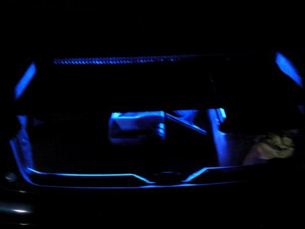 40: Bande de leds bleu dans mon coffre
