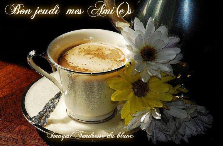 bonjour mes amis(e)s.. je vous souhaite un très bon appétit .. et un agréable après midi de jeudi, ici soleil, et une chaleur insupportable !!!!  .. bisous Josie