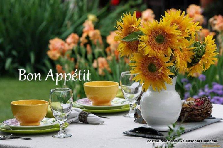 bonjour mes amis(e)s.. je vous souhaite un excellent appétit .. et un agréable après midi de lundi, avec du soleil, et toujours un peu de vent, ce qui fait une température trés agréable  .. bisous Josie