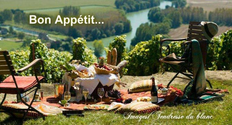 bonjour mes amis(e)s.. je vous souhaite un excellent appétit .. et un agréable après midi de mercredi, avec un temps ensoleillé et très chaud   .. bisous Josie