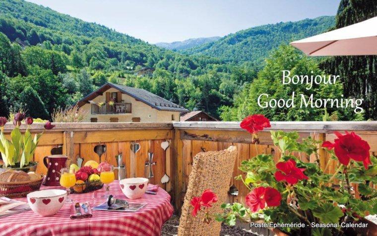 bonjour mes amis(e)s.. je vous souhaite un excellent appétit .. et un agréable après midi de mercredi, ici soleil et vent  .. bisous Josie