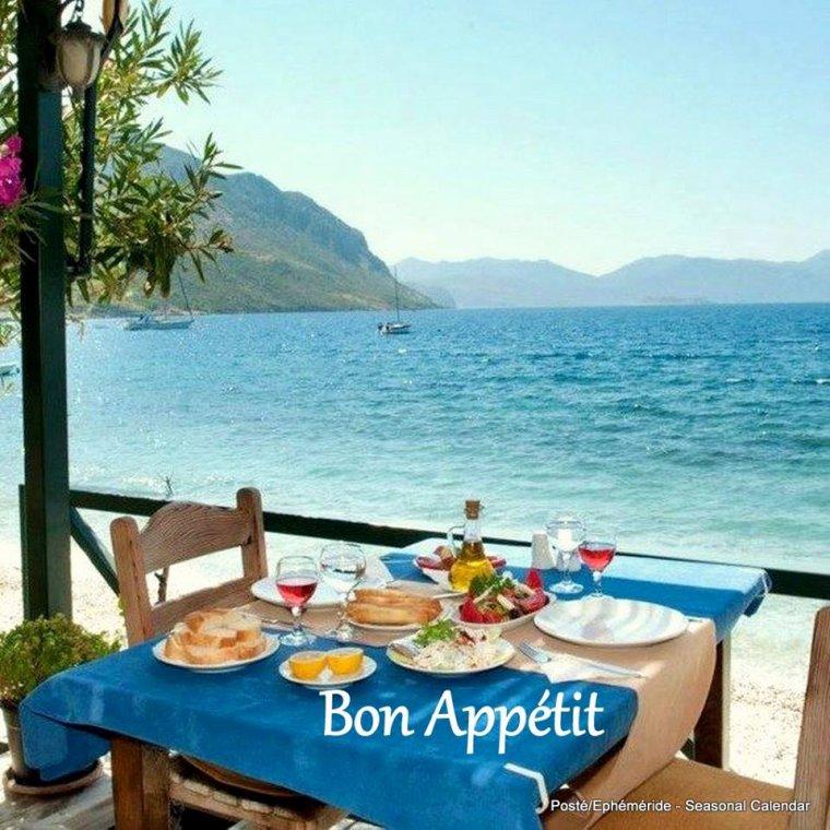 bonjour mes amis(e)s.. je vous souhaite un très bon appétit .. et un agréable après midi de mardi, ici soleil et chaleur !!!! .. bisous Josie