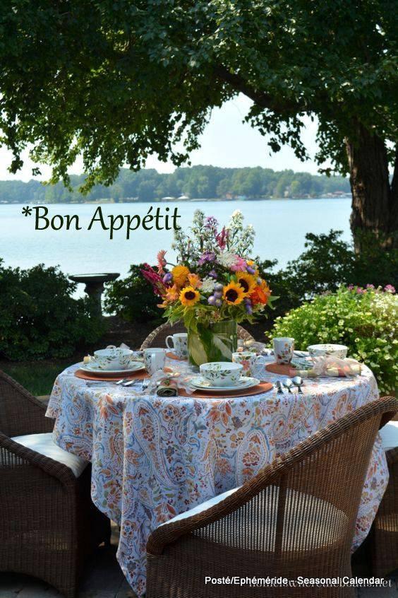 bonjour mes amis(e)s.. je vous souhaite un très bon appétit .. et un agréable après midi de dimanche, ici avec un beau soleil .. bisous Josie