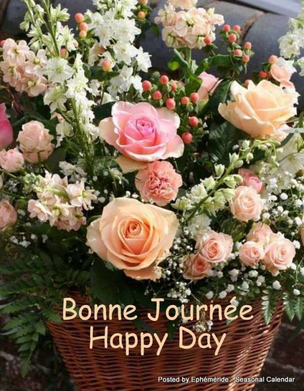 Bonjour mes amis(es) je souhaite à tous un très beau dimanche, ici avec un temps magnifique ... Gros bisous Josie