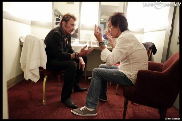Johnny et son guitariste Robin Le Mesurier