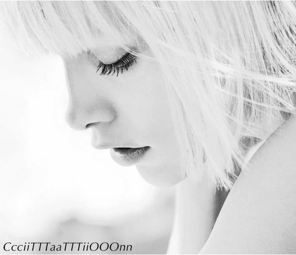 """""""Si un jours je meurt et qu'on m'ouvre le coeur on pourra lire en lettre d'or : Je t'aime encore.."""""""