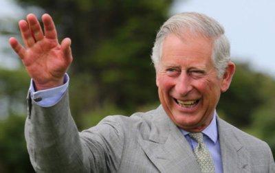 Le prince Charles, content d'être grand père