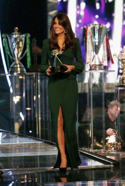 Première sortie de Kate Middleton après l'annonce de sa grossesse