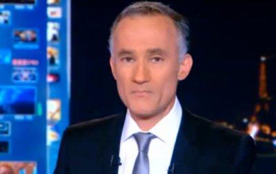 Gilles Bouleau au bord des larmes à la fin du JT