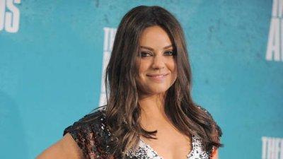 """Mila Kunis traitée de """"sale juive"""" par un député ukrainien"""
