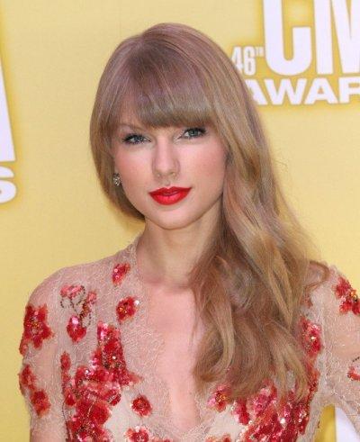 Musique - Portrait de Taylor Swift, et son tube << We Are Never Ever Getting Back Together >>