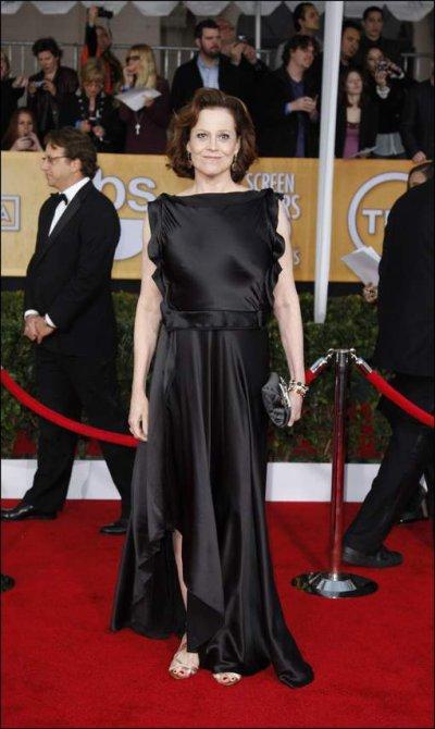 Sigourney Weaver, mal habillée, portait sa robe à l'envers