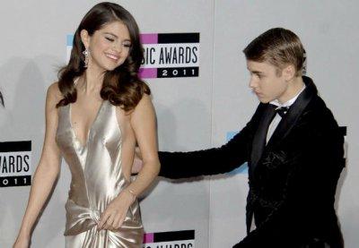 Selena Gomez a passé la nuit chez Justin Bieber