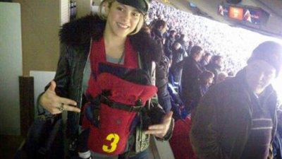 Shakira est déjà au stade de Barcelone avec son petit Milan !