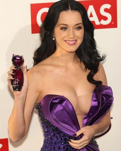 Katy Perry serait-elle de nouveau fiancée ?