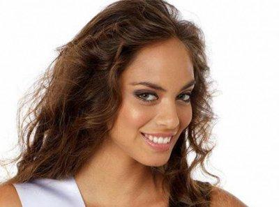 Hinarani de Longeaux, (Miss Tahiti), se lance en politique
