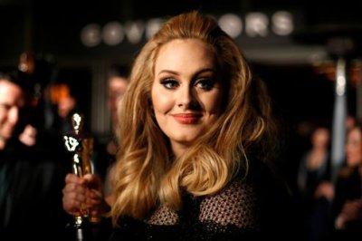 Adele pourrait rempiler pour le prochain James Bond
