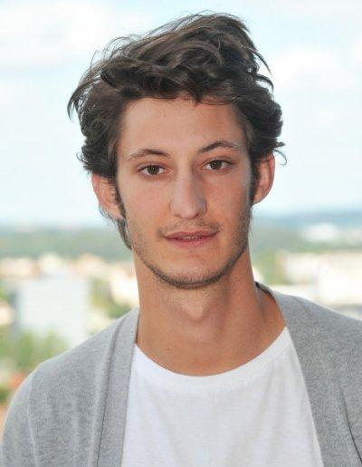 Cinéma - Portrait de Pierre Niney, un des acteurs du film << 20 ans d'écart >>