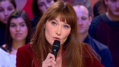 """Carla Bruni """"décomposée"""" face aux images de la passation de pouvoir"""