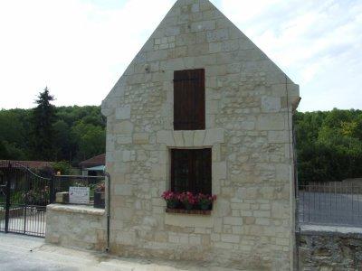 rénovation façade en pierre de taille a Puiseux en Retz