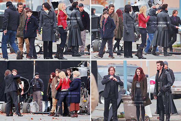 ___________-07- - Notre beau Pirate, Colin O'Donoghueà étéaperçutsur le set de la S3 de Once Upon A Time. ___________NOV - Colin était en compagnie de ses co-stars entrain de tourner une scène avec Jennifer Morrison, Lana...