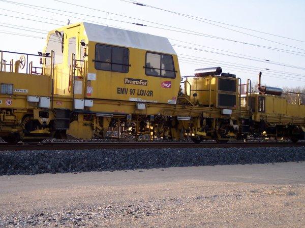 Bourreuse de ligne EMV 97 LGV-2R - 99 87 9 128 314-1 - SNCF MN