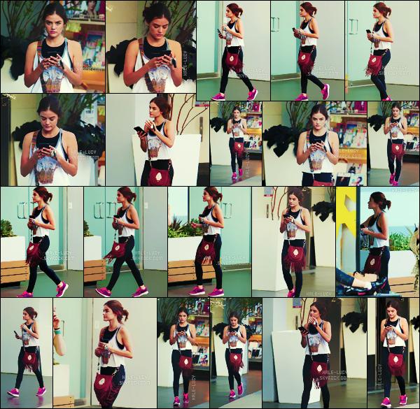 . 02/08/2016 -  En tenue  sportive, Lucy H. a été photographiée à la salle de sport SoulCycle à Los Angeles. On ne relâche rien, et oui la petite Lucy maintient sa forme grâce à des séances de sport quotidiennes! Même pour le sport elle s'habille bien. TOP !! .